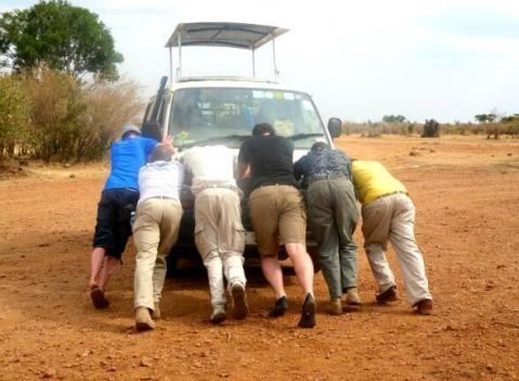 Meanwhile, Ayla (@MrsAylaAdvnture) of the UK wasn't a fan of broken-down vehicles in Africa: pic.twitter.com/hudtBx0a6N