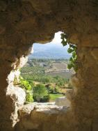 Caniwi (@caniwiwilliams) of New Zealand found this unique view and rocky framing while overlooking Luberon, France: pic.twitter.com/8KEh1aSabb
