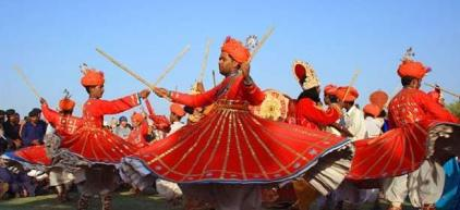 @easytoursofasia from the USA showed off this Rajasthani celebration on Mount Abu, India: pic.twitter.com/moM54mHQ3E