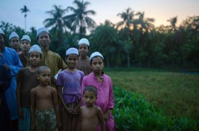 Jeff McAllister (@mcallisterjeff) of Canada shows of the people of Bangladesh in this real-life view: http://t.co/IvDfhsNAfV