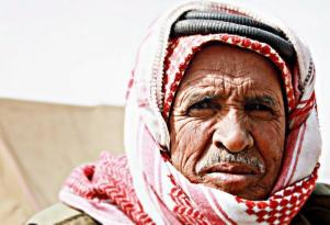 Jens Notroff (@vagabonslog) of Germany took this awesome portrait of a proud Jordanian: http://t.co/Z3C8de9caG