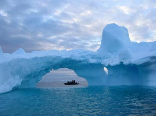 Marie-France Roy (@bigtravelnut) of Canada captured this fantastic landscape in Antarctica: https://twitter.com/bigtravelnut/status/501446656944898049/photo/1
