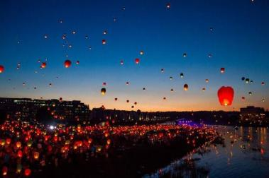 Stealing the show was Marta (@MartaTravelling) of Germany, with this shot of this international paper lantern festival in Poland: https://twitter.com/MartaTravelling/status/488761808648699905/photo/1