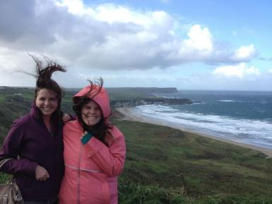 "Morgan Cantrell (@TravelTravelMC) of Ireland didn't plan on the wind, and finally gave up taking a ""normal"" shot. The hair is pretty impressive, I must say: pic.twitter.com/90BKxWJMOW"