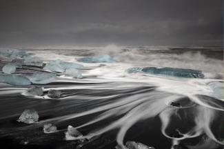 Sophie Carr (@SophieCarrPhoto) of the UK caught this long exposure stunner while in Iceland: https://twitter.com/SophieCarrPhoto/status/539528776536051712/photo/1