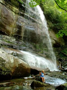 What's summer without waterfalls? Alex Morton (@amtraveltimes) of the USA know how to do 'em right while in the Smokies: https://twitter.com/amtraveltimes/status/503985829816328192/photo/1