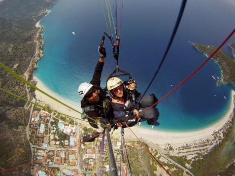 GaiaZol (@GaiaZol) of the USA got this awesome paragliding shot while in Turkey. Not too shabby! https://twitter.com/GaiaZol/status/503986579388772352/photo/1